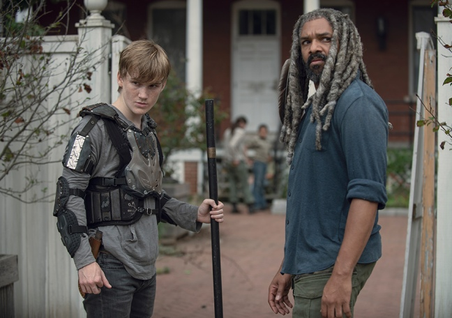 the-walking-dead-episode-906-ezekiel-payton-935.jpg