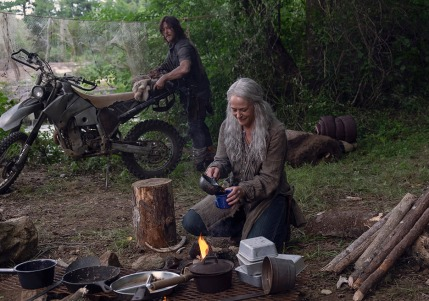 the-walking-dead-episode-907-daryl-reedus-2-935