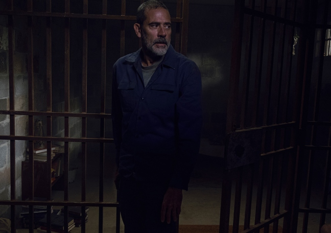 the-walking-dead-episode-908-negan-morgan-935
